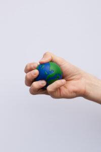 Lær verdensdele og lande med bold